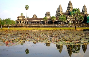 Twenty First Century Nomad & Chic Adventurer Angkor Wat